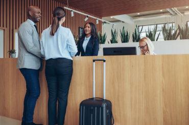 Cómo el análisis de datos, IoT y la IA están simplificando la industria hotelera